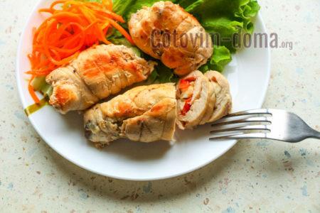 Куриные рулетики с грибами и сыром рецепт с фото