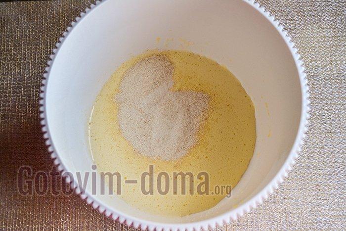 тесто для сырников в миске