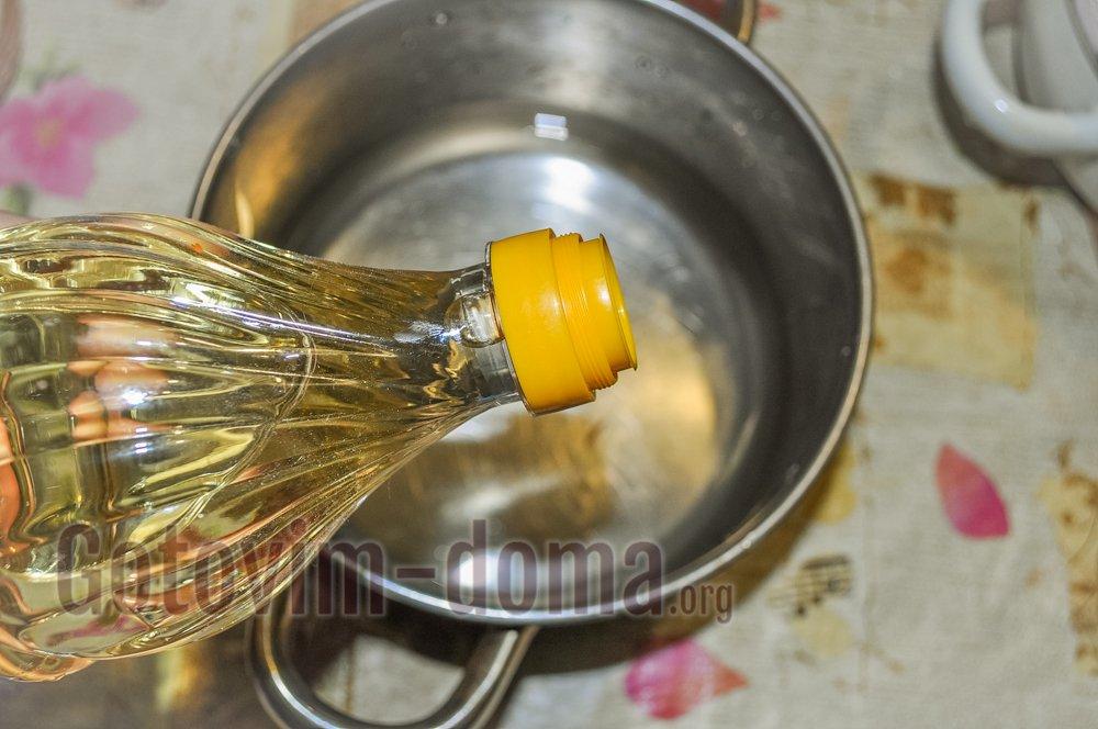 добавляем масло растительное