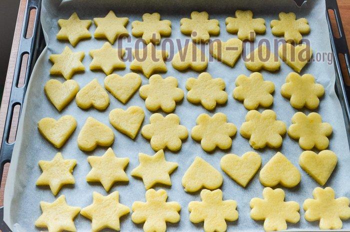 выкладываем и выпекаем печенье
