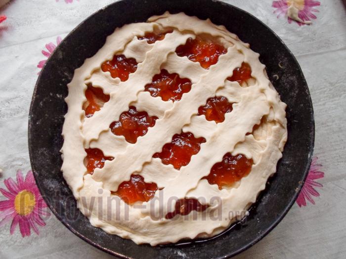 домашний пирог с повидлом в форме