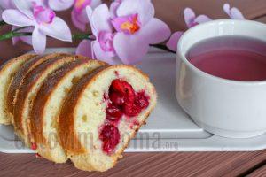Дрожжевой пирог с вишней, рецепт с фото