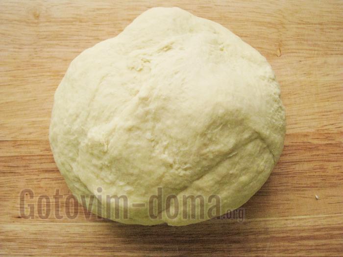 вымешиваем тесто для пельменей руками