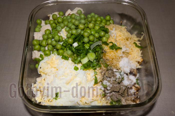 зеленый горошек консервированный и лук