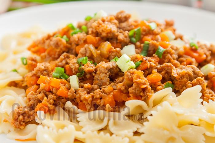 Паста с фаршем и томатной пастой рецепт