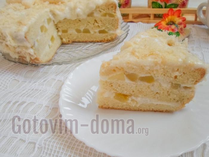 торт с ананасами и бисквитом
