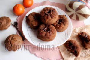 Шоколадные кексы на кефире в силикононовых формочках