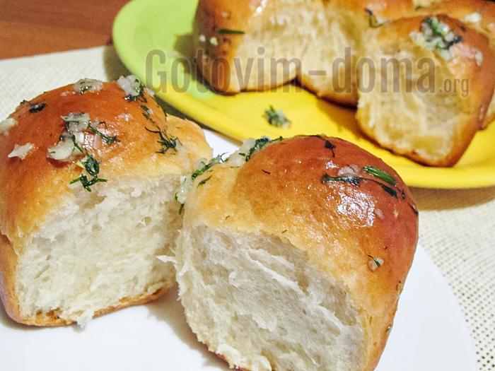 Пампушки с чесноком к борщу, рецепт с фото