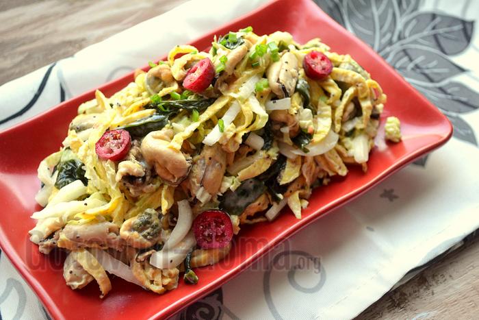 Салат с мидиями и пекинской капустой рецепт
