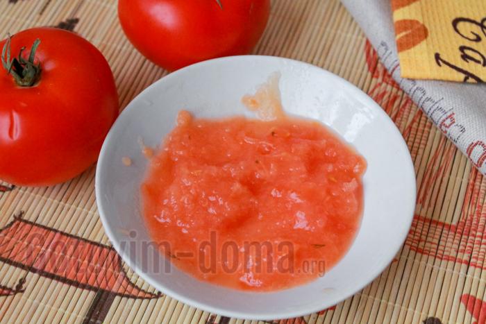 измельчаем помидоры в кашицу