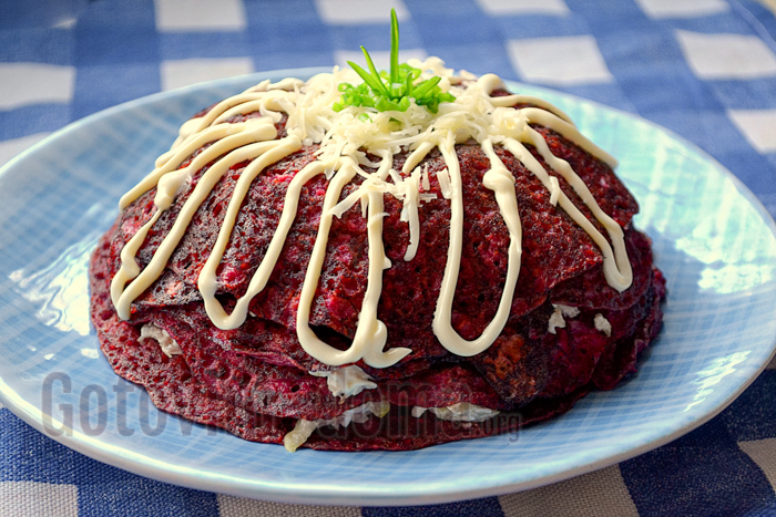Закусочный торт из свекольных блинов, рецепт