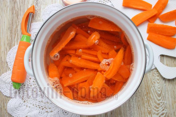 бланшируем морковь