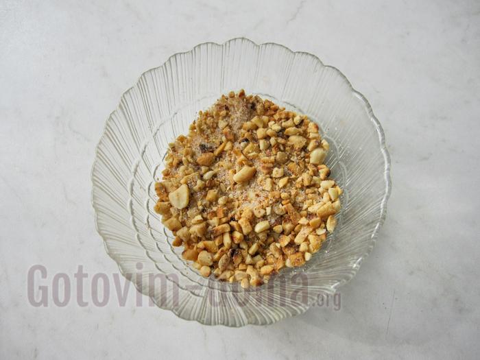 измельчаем арахис