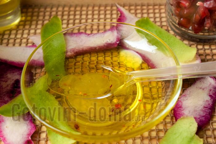 разводим мёд для салата
