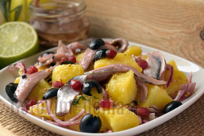 рыбный салат с картофелем и анчоусами фото