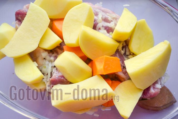 добавляем картофель и тыкву