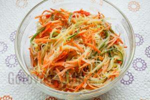 Салат из фунчозы с морковью по корейски рецепт