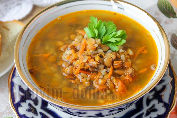 Суп из чечевицы на мясном бульоне