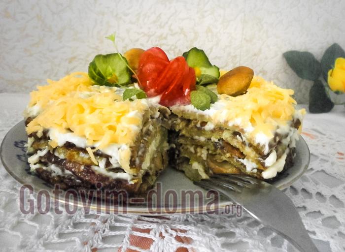 торт из кабачковых блинчиков с сыром и грибами