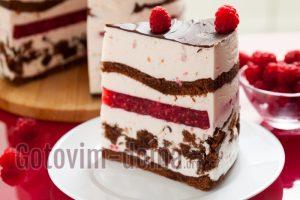торт с малиной и сметанным кремом