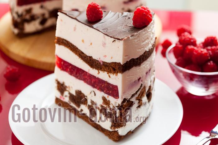 Бисквитный торт с малиной, рецепт с фото