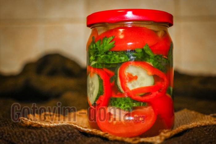 Салат: огурцы, помидоры, перец болгарский на зиму