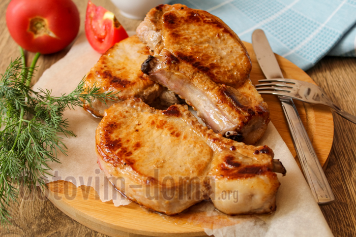 стейк из свинины на сковороде рецепт с фото пошагово в домашних