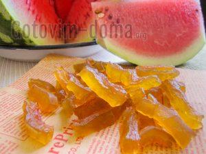 Как приготовить цукаты из арбузных корок в домашних условиях