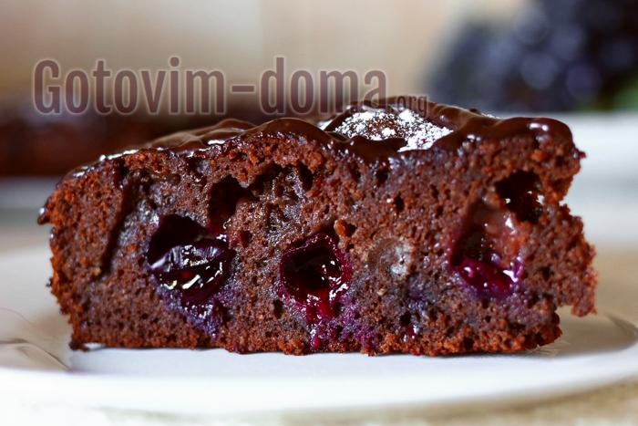 простой пирог с виноградом