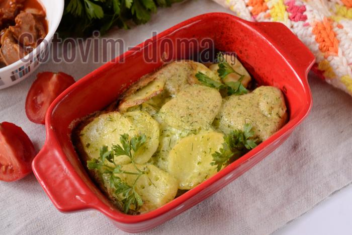 Картошка тушеная в сметане в духовке