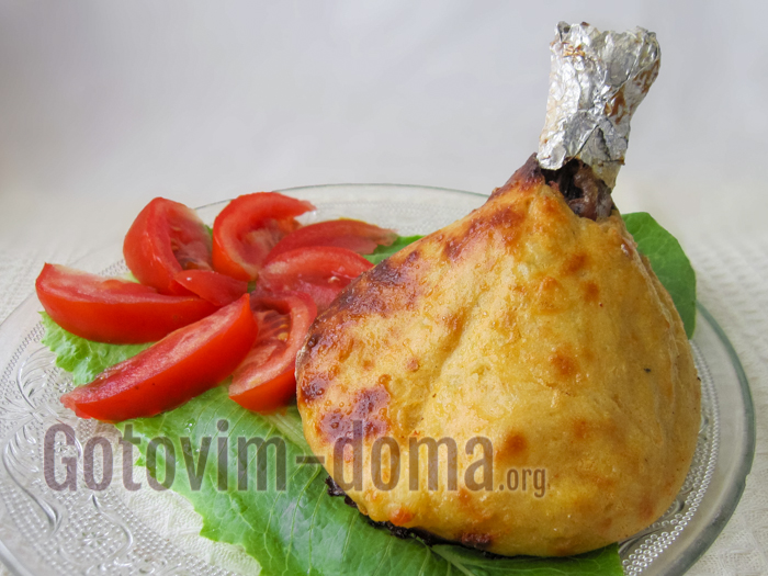 курица в картофеле готова