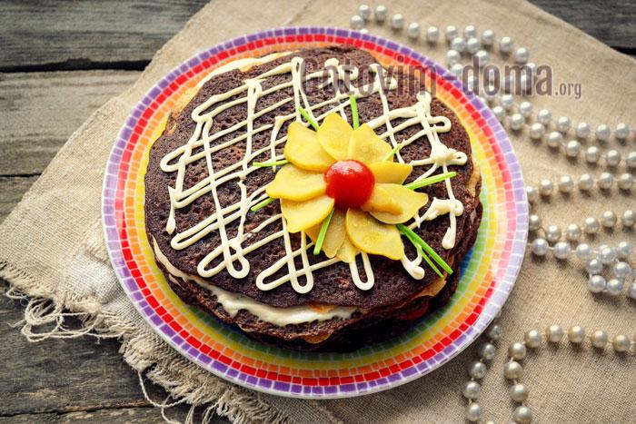 украшаем печёночный торт