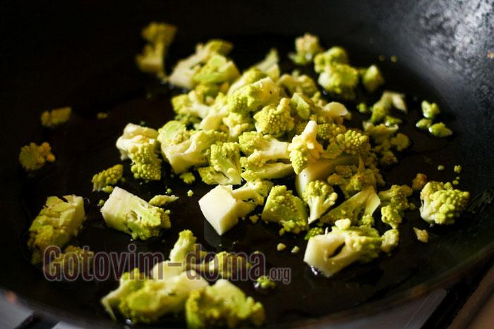 обжарить на масле цветную капусту