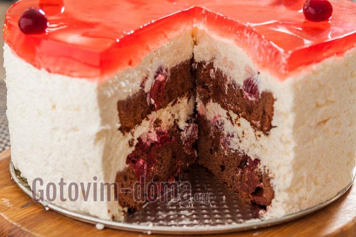 торт со сливочным суфле в разрезе