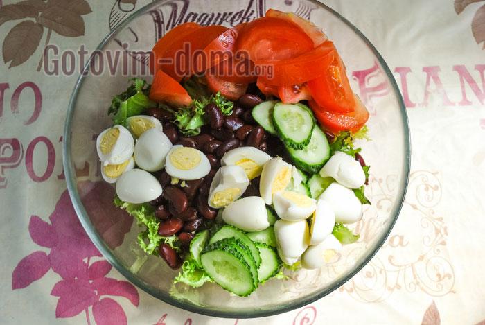 добавить яйца в салат