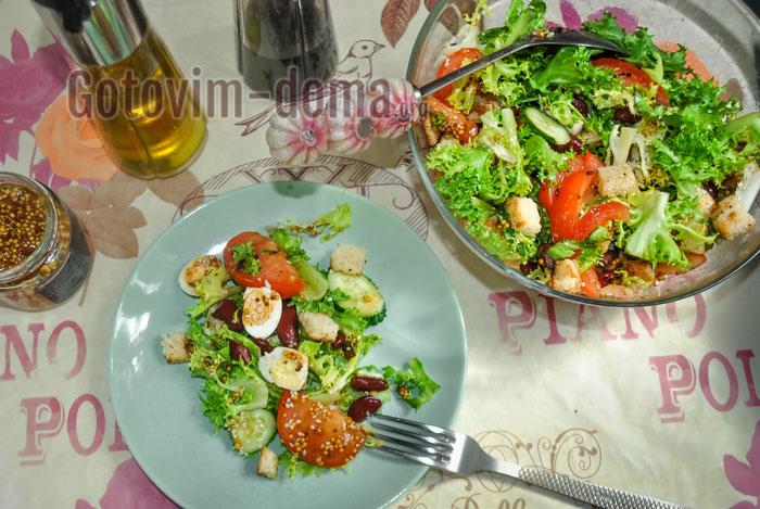 Салат из красной фасоли консервированной с сухариками, пошаговый рецепт