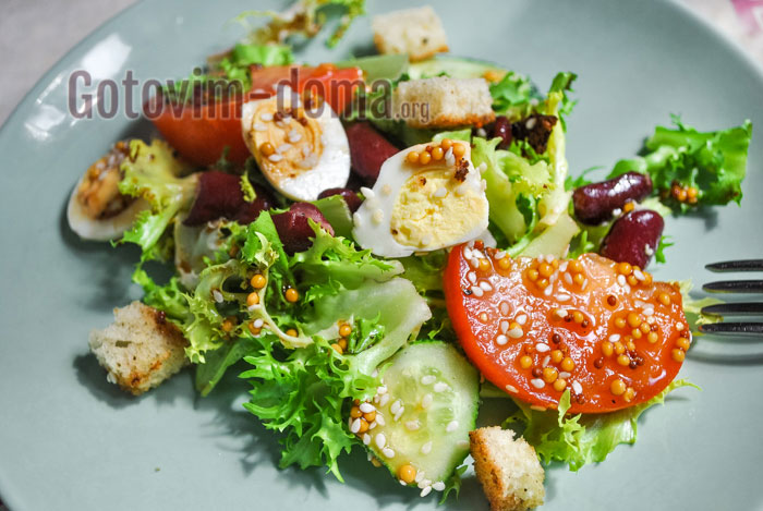 салат на скорую руку с красной фасолью