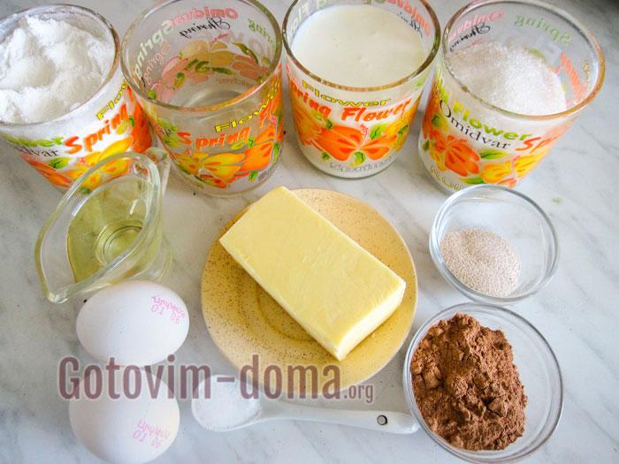 Ингредиенты для сладких булочки с корицей
