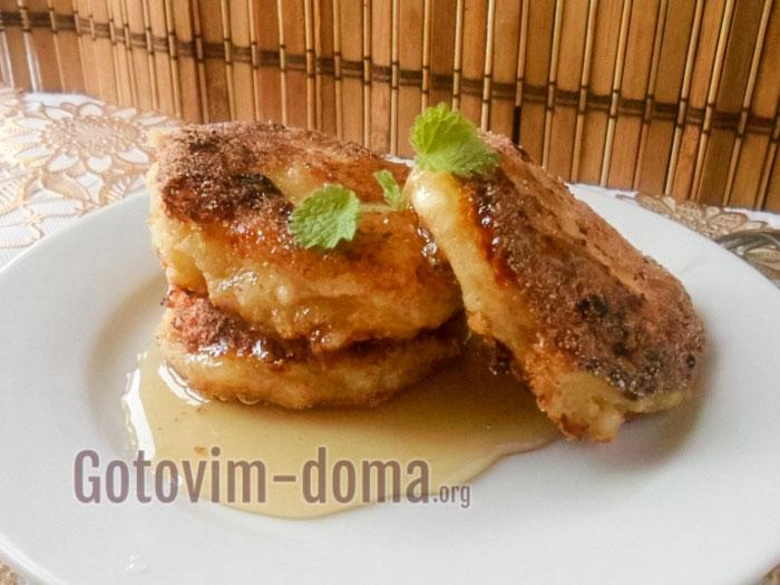 Творожные сырники с манкой на сковороде, рецепт с фото