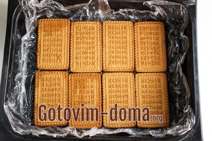Печенье в подготовленной форме
