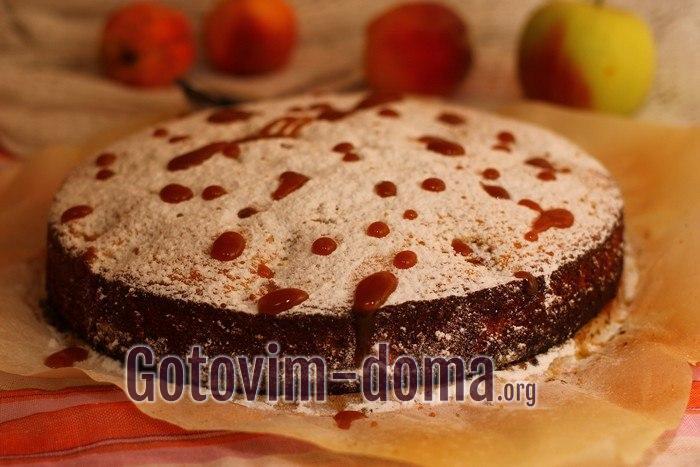 Вкусный малиновый пирог с яблоком и смородиной