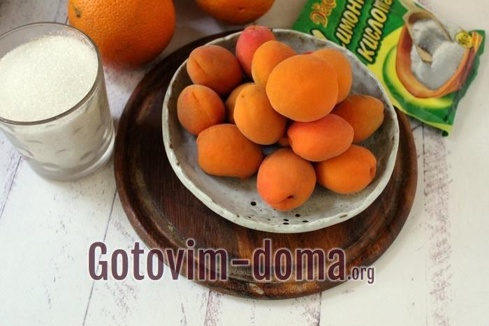 Апельсины и абрикосы для летнего домашнего напитка