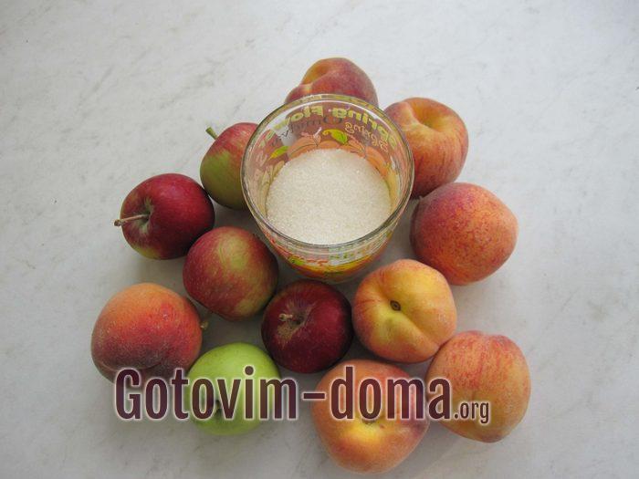 Персики, яблоки и сахар для фруктового лаваша