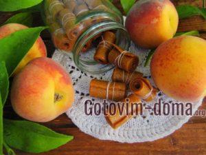 Фруктовый лаваш из яблок и персиков