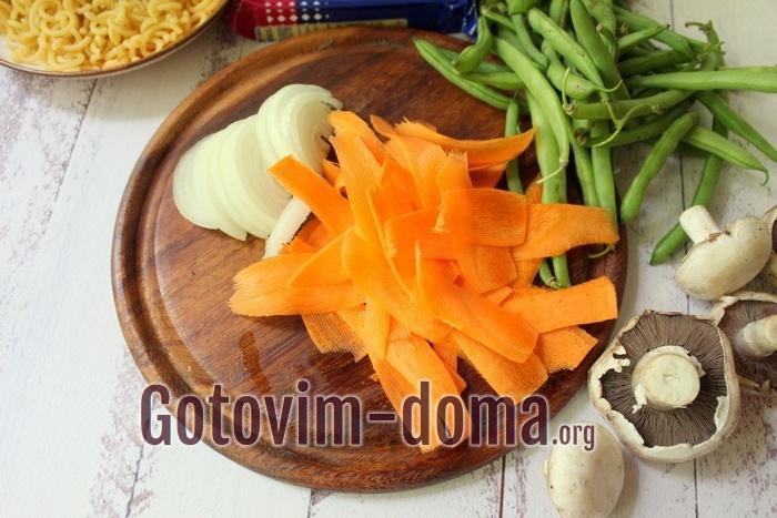 Морковь и лук для обжарки в макароны