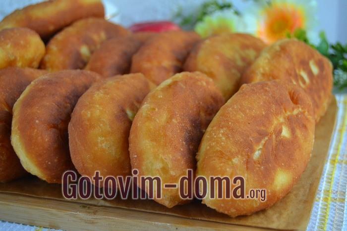 Очень вкусные пирожки жареные с капустой и яйцом на кефире готовы