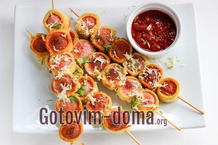 Как сделать сосиску в лаваше, рецепт с фото пошаго