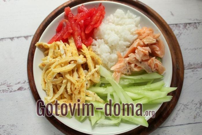 Салат с рисом второй вариант оформления