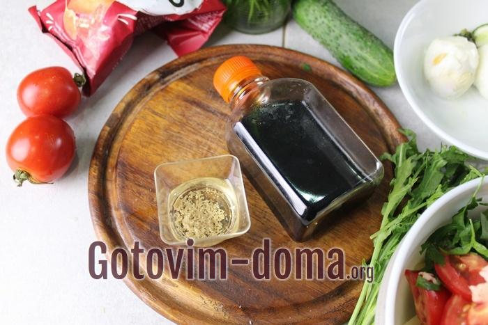 Соевый соус для салата из семги с огурцом и помидорами