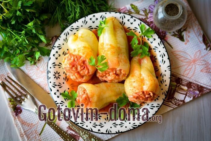 Перцы фаршированные мясом и рисом – это блюдо повседневного и праздничного стола.